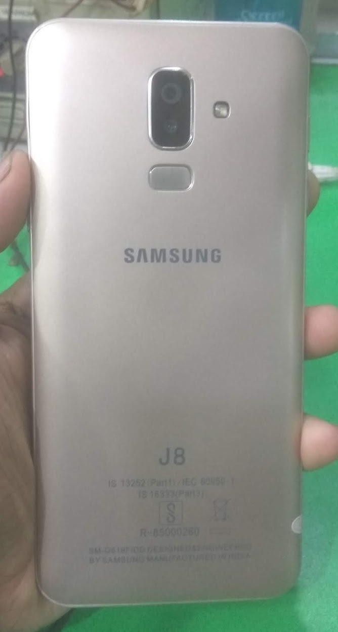 Samsung Clone J8